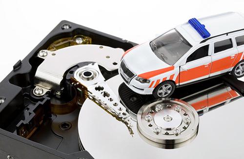 Удалены данные с флешки или сломалась карта памяти? Без паники! Восстановить информацию – легко!